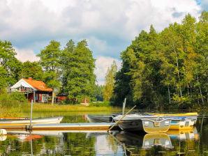 Ferienhaus Sjövillan am See mit Badetonne