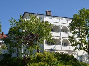 9 in der Villa Granitz F603
