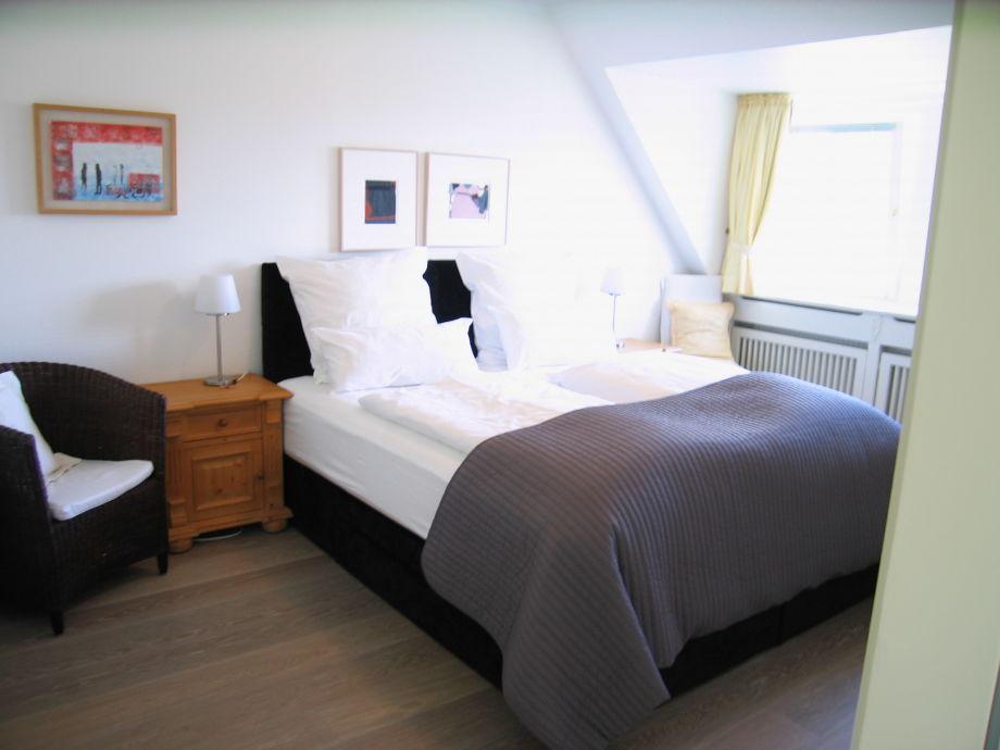 exklusives chalet mit kamin sauna whirlpool sylt firma sylt suites frau margit pfl ger. Black Bedroom Furniture Sets. Home Design Ideas