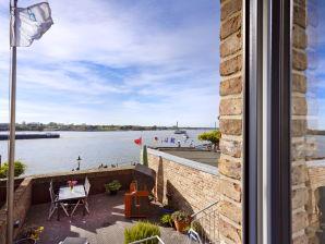 Ferienwohnung im Häuschen am Rhein
