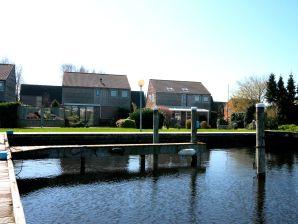 Ferienhaus Watterlelie