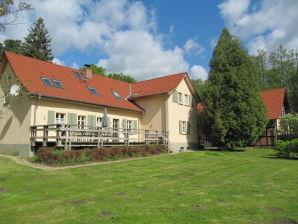 Große Ferienwohnung im Forsthaus Boberow