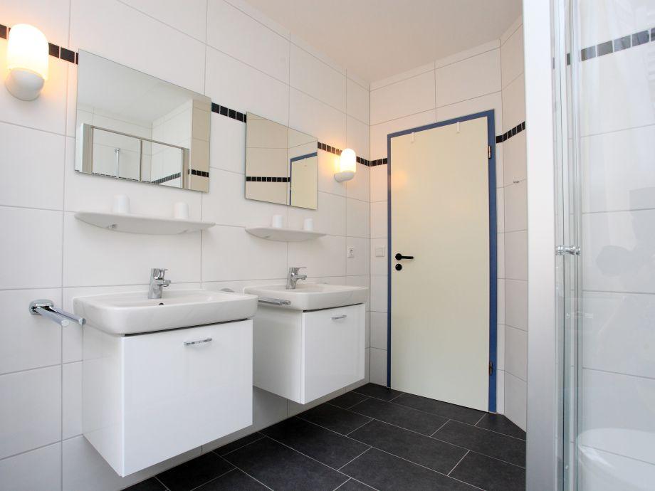 Badezimmer doppelwaschbecken dekoration inspiration for Badezimmer mit doppelwaschbecken