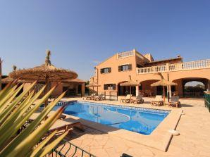Pool-Villa Valentina 1