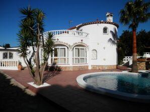 Villa MIA32