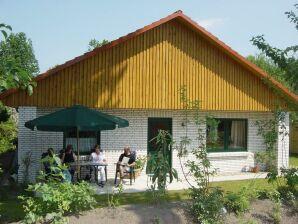 Ferienhaus Lenis Garten