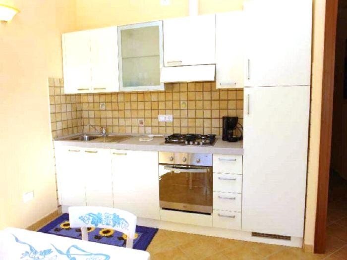 villa cassaneto blumenriviera firma blumenriviera gmbh. Black Bedroom Furniture Sets. Home Design Ideas