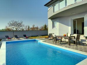 Villa 046