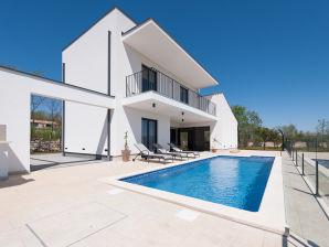 Villa 047