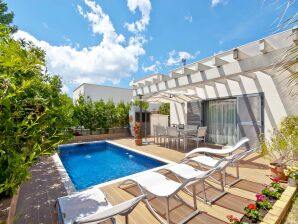 Villa Ariel mit privatem Pool