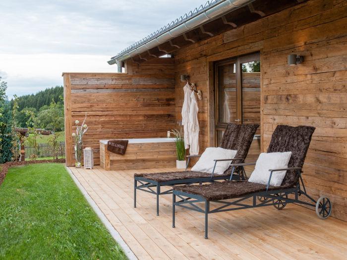 luxus chalet k pplwirt bayerischer wald firma komfort. Black Bedroom Furniture Sets. Home Design Ideas