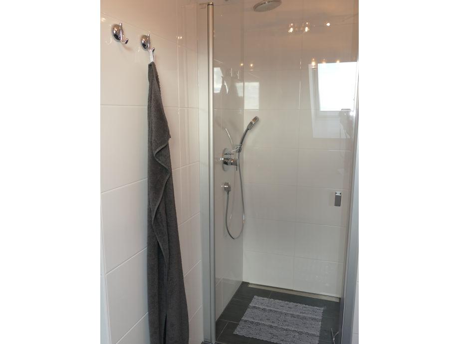 Dusche Dachgeschoss : Dusche Dachgeschoss : und Dusche Duschabtrennung aus Glas mit Trennung