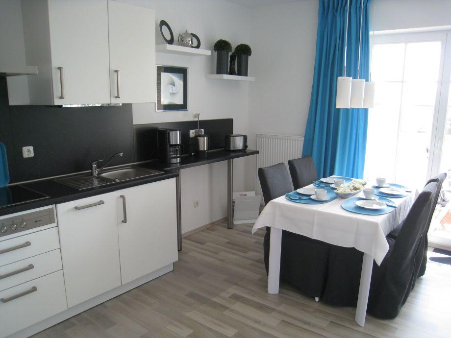 ferienwohnung 04 in der villa wilhelmine ostsee r gen firma m nchguter. Black Bedroom Furniture Sets. Home Design Ideas