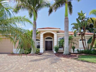 Villa Whispering Palms