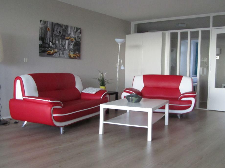 Ferienwohnung dolfijn nord holland egmond aan zee for Modern eingerichtete wohnzimmer