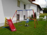 Spielplatz am Haus