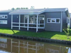 Ferienhaus Domizil mit Boot