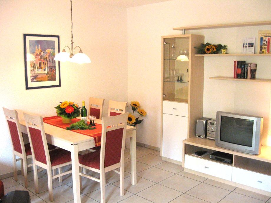Kleines wohnzimmer mit essecke : Gästehaus Hemmer Ferienwohnung UG ...