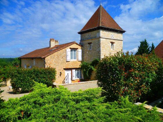 Maison du Vigneron mit Turm