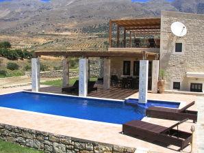 Ferienhaus Zeus, mit großem Pool