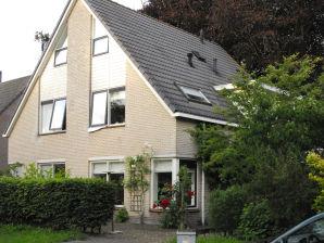 Residenz im Doppelhaus in Bergen