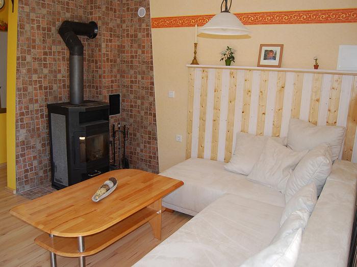 ofen wohnzimmer kosten:Ferienhaus Haus Reiche am Walde, Kellerwald-Edersee – Frau Carmen