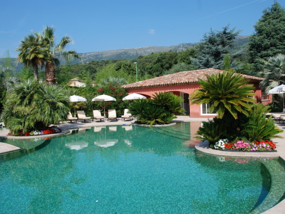 Pool und Poolhaus