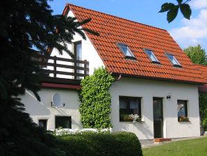 Ferienhaus Sonnenblume in Wald- und Seenähe, familienfreundlich, Ruderboot