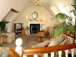 """Benavon Cottage"""