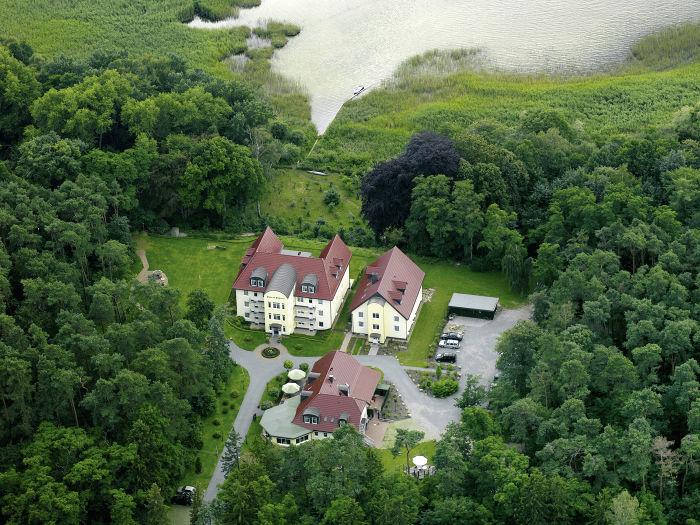 """Luftaufnahme """"Haus am Kölpinsee"""""""
