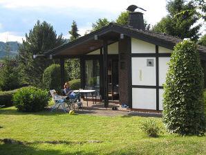 Ferienhaus Marina, mit Terrasse direkt an freier Wiese und Feld
