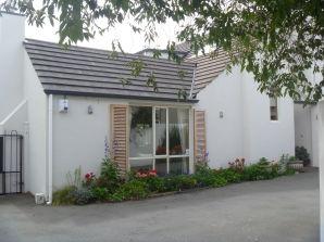 Bed & Breakfast Mini Fendalton House - Mrs Pam Rattray