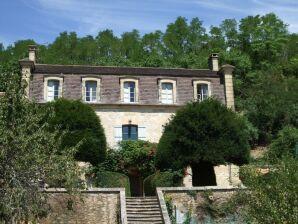 Ferienhaus Chateau Nineyrol