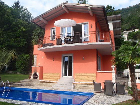 ferienwohnung 1 in exklusiver traum villa gardasee tremosine frau uschi thannheimer. Black Bedroom Furniture Sets. Home Design Ideas