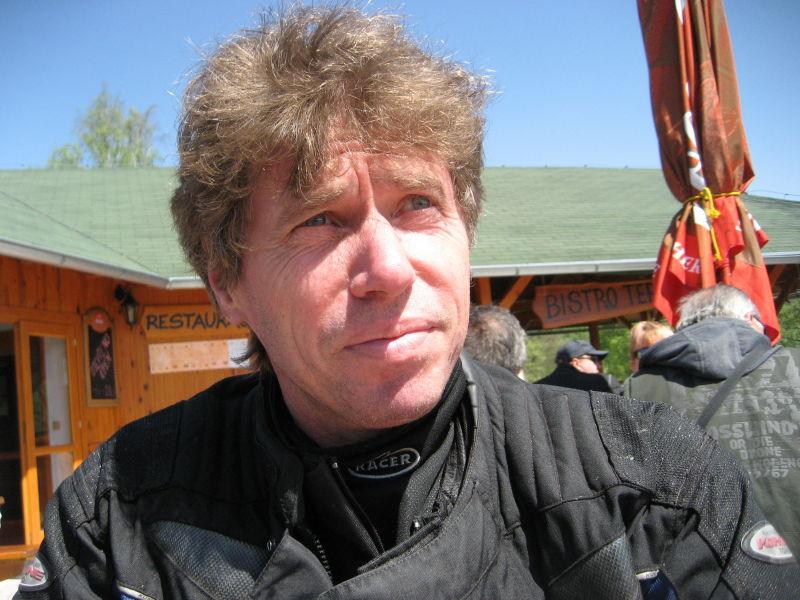 mrzzuschlag singles In 2017 nico mirallegro was cast in the film,.