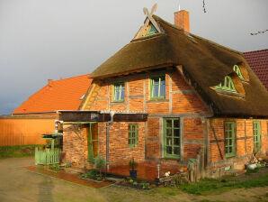 Ferienwohnung im Reetdachhaus am Inselsee