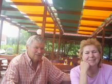 Ihr Gastgeber Frau Beni Paul Und Herr Petko Stoitschew