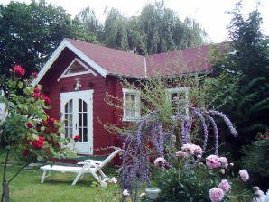 Berghütte Rotes Schwedenhäuschen an Moselwiesen