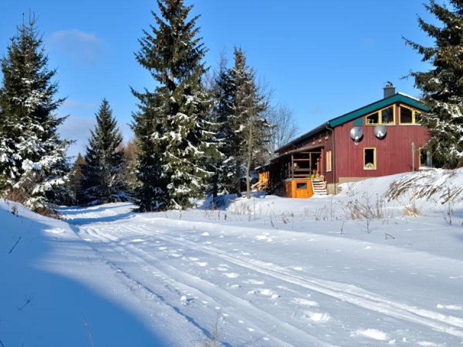 Ansicht Haus mit Skiloipe