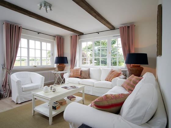 landhaus falsh ft ferienwohnung 2 geltinger bucht ostsee. Black Bedroom Furniture Sets. Home Design Ideas