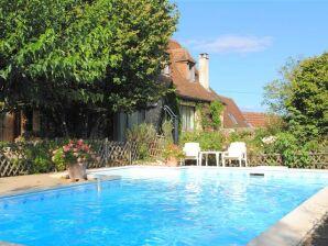 Ferienwohnung im romantisches Haus Muguette mit privat Schwimmbad
