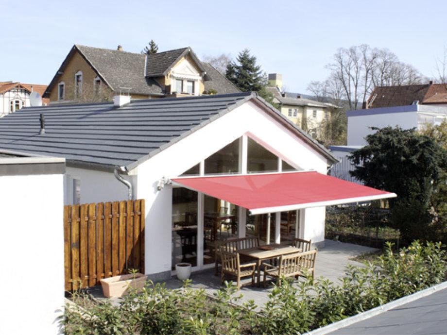 Haus und überdachte Terrasse