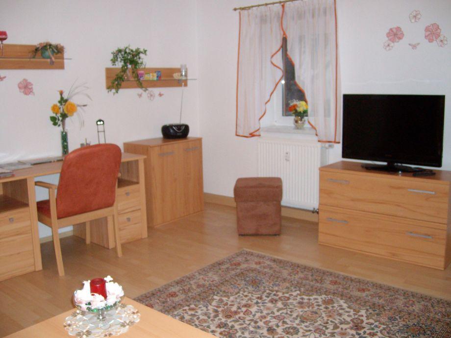 Wohnzimmer mit TV ,Radio CD,