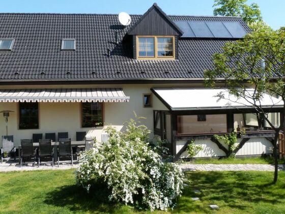 Unser Gästehaus - Gartenseite