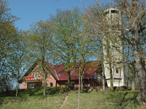 am Wasserturm Röbel / Müritz