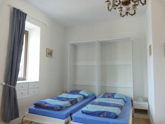 ferienwohnung burg landshut familie schmidt mosel bernkastel kues direkt in bernkastel. Black Bedroom Furniture Sets. Home Design Ideas