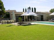 Provence Les Oliviers Pool