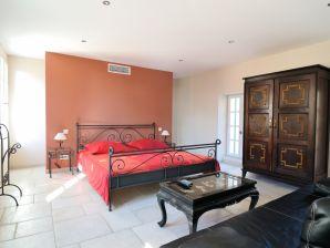 Apartment Studio Chateau Moyau