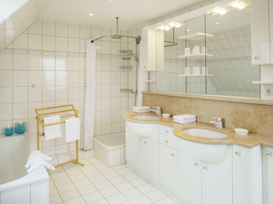 wohnwagen dusche und wc getrennt raum und m beldesign inspiration. Black Bedroom Furniture Sets. Home Design Ideas