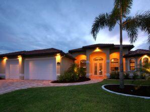 Neue Luxusvilla mit Boot - Villa Coral Laguna